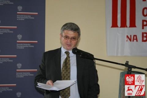 Ambasador Leszek Szerepka przemawia na III Forum Oświaty Polskiej na Białorusi