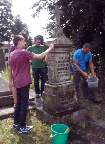 Prace na cmentarzu, fot. autora