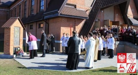 Hołd bohaterowi powstania styczniowego oddali biskup Aleksander Kaszkiewicz i konsul Andrzej Chodkiewicz