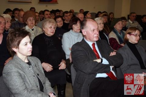 Uczestnicy oglądają 20-minutowy fabularyzowany dokument, opowiadający o wydarzeniach 1936 roku w polskim rejonie Marchlewszczyzna na Ukrainie