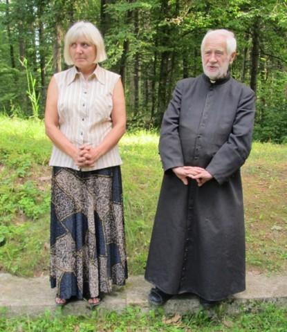 Irena Siz i ksiądz Jan Wasilewski