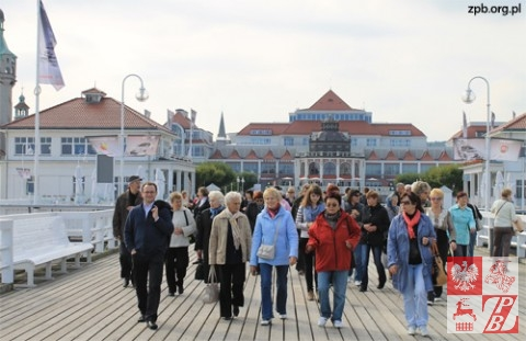 Działacze ZPB na molo im. Jana Pawła II w Sopocie