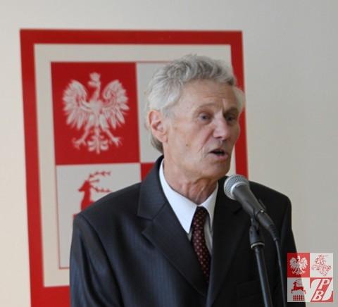 Prezes Towarzystwa Plastyków Polskich przy ZPB Stanisław Kiczko