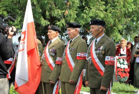 Warta honorowa żołnierzy Armii Krajowej