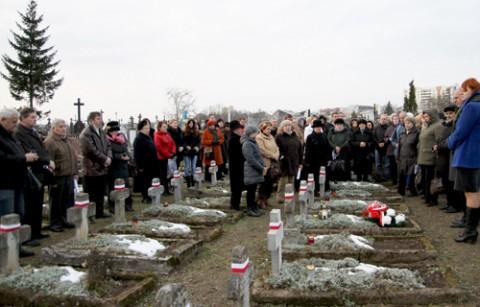 Na cmentarzu Pobernardyńskim