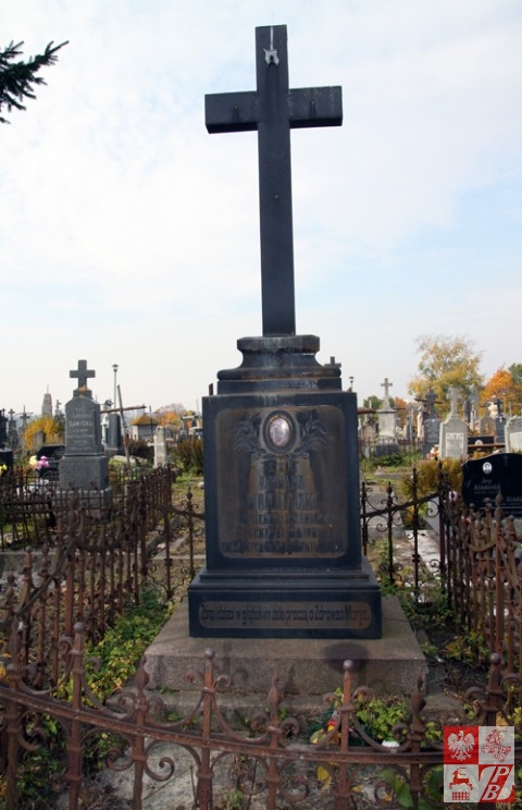 Pomnik na grobie generała majora Bernarda Wojciedzkiego
