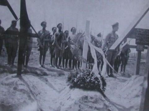 Pogrzeb czechosłowackich legionistów na cmentarzu wojennym w Bobrujsku