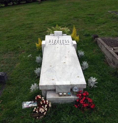Grob_Piaseckiego