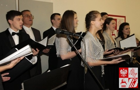 Śpiewa grupa wokalna chóru