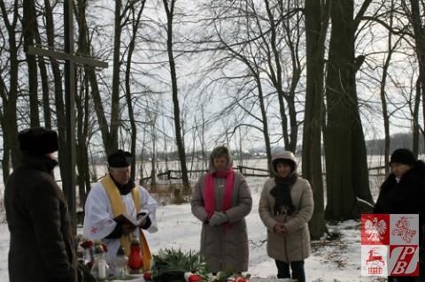 Modlitwa przy grobie Antoniego Kaliszka