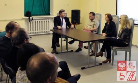 Panel_w_Konsulacie