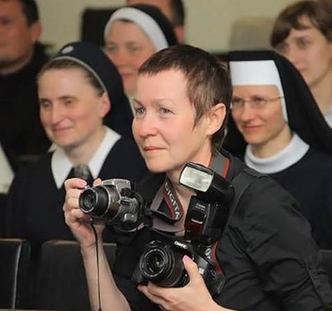 Ałła Niewierowicz dokumentowała wiele wydarzeń z życia Kościoła, fot.: catholic.by