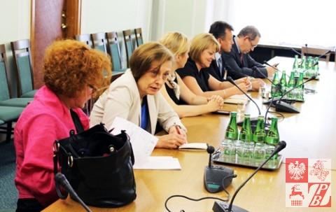 Posiedzenie_Komisji_Sejmowej_w_sprawie_ZPB_02