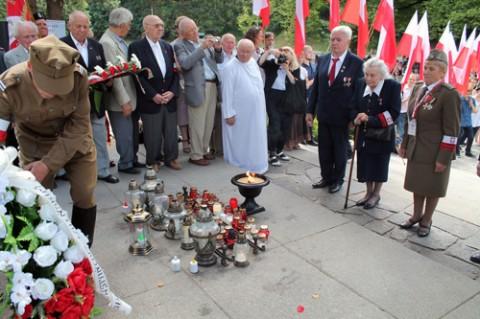 rossa-ak-70-rocznica-operacja-ostra-brama-2014-32_obr