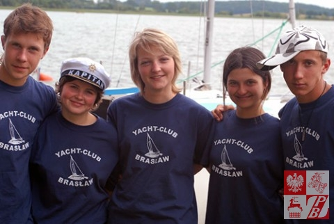 Uczestnicy kursu żeglarskiego