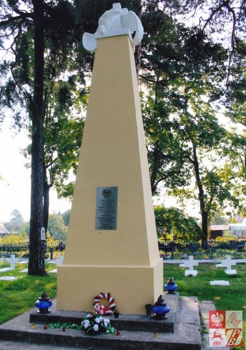 Cmentarz_Lotnikow_w_Lidzie