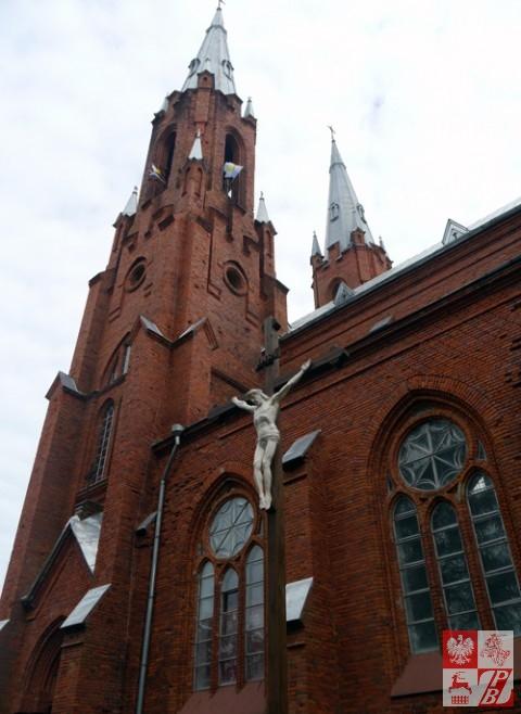 Wieże kościoła w Widzach wznoszą się 59 metrów nad ziemią