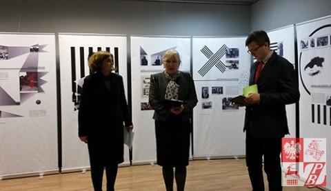 Urszula Doroszewska, Halina Ładisowa i Robert Kostro otwierają wystawę