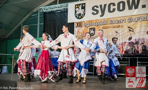 """""""Białe skrzydła"""" tańczą białoruską lawonichę"""