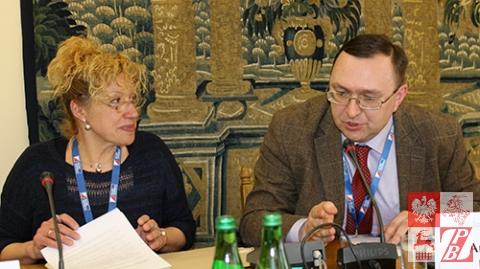 Dorota Jaworska, pierwsza według przyjętej zasady rotacyjnej, prezes Federacji Mediów Polskich na Wschodzie i obecnie piastujący to stanowisko Robert Mickiewicz