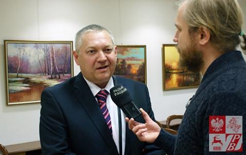 Genadiusz Picko udziela wywiadu białostockiej rozgłośni Radio Racyja