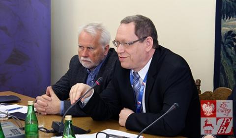 Przemawia Wojciech Tyciński, wicedyrektor Departamentu Współpracy z Polonią i Polakami za Granicą MSZ RP