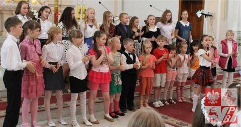 Występ uczniów szkółek społecznych przy lidzkich parafiach