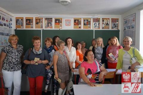 Nauczyciele języka polskiego z Białorusi już w Paryżu - z wizytą w Szkole Polskiej im. Adama Mickiewicza