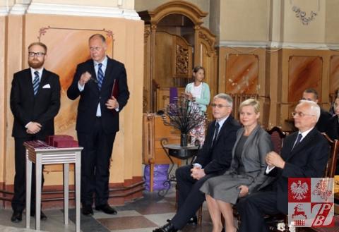 Dekoracja_Sybirakow_w_Lidzie_delegacja