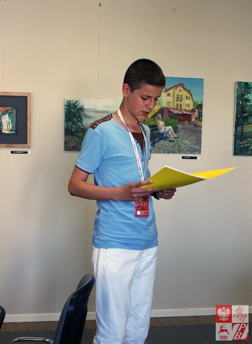 Swoje wiersze czyta młody poeta z Grodna Herman Pańkow