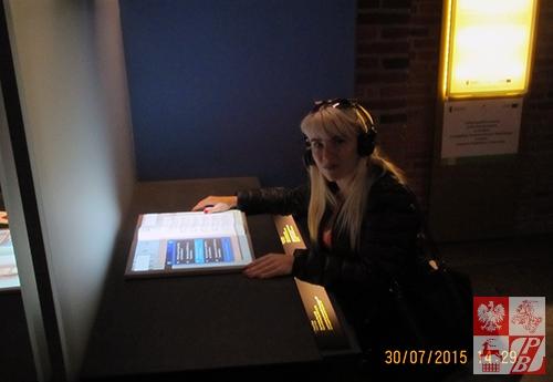 Irena Głuchowska, działaczka ZPB w Brześciu zwiedza Muzeum Fryderyka Chopina