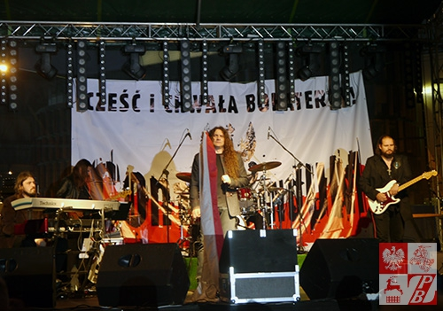 Na scenie zespół Contra Mundum