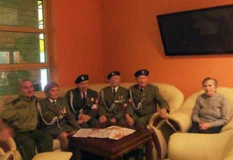 Kombatanci_z_Grodzienszczyzny_w_Naleczowie_spotkania_z_goscmi_z_NIK_BBN_SG_01