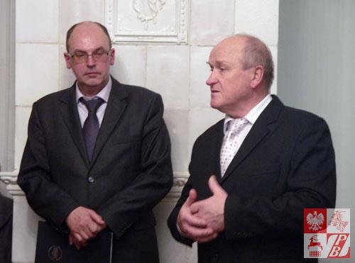 """Dyrektor Muzeum """"Dom Wańkowicza"""" Sergiej Wieczer i wydawca """"Cierni Kresów"""" po białorusku Wiktor Chruścik"""
