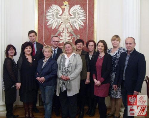 Zdjęcie pamiątkowe uczestników konferencji w Domu Polonii w Warszawie