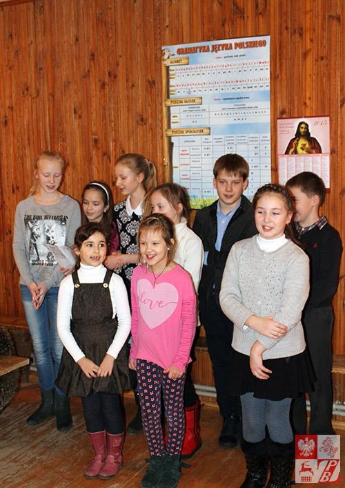 Uczniowie lidzkich szkółek społecznych przy ZPB