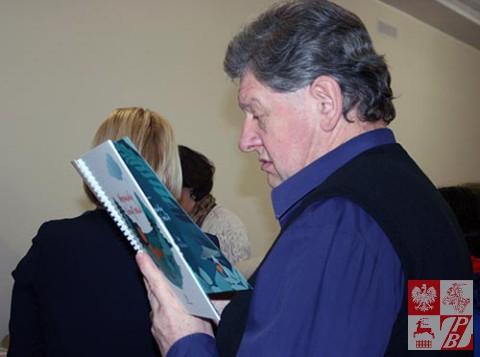 Minsk_Przekaz_ksiazek_Leonid_Wolodzko