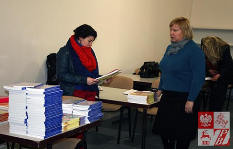 Minsk_Przekaz_ksiazek_nauczycieli6
