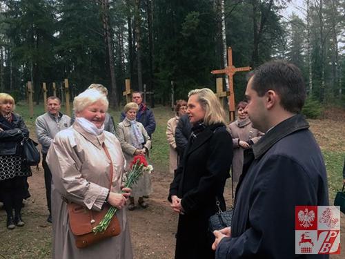 Uroczystości w Kuropatach: Helena Marczukiewicz, Anna Maria Anders i Konrad Pawlik