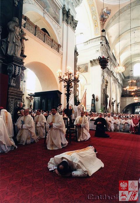 Biskup_Aleksander_Kaszkiewicz_archiwum10