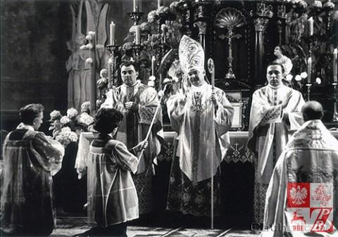 Biskup_Aleksander_Kaszkiewicz_archiwum2