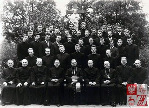 Biskup_Aleksander_Kaszkiewicz_archiwum4