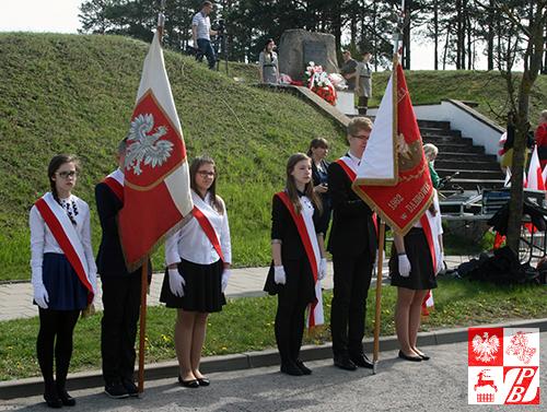 Podczas Uroczystości trzeciomajowych przy pomniku Generała Nikodema Sulika w Dąbrowie Białostockiej