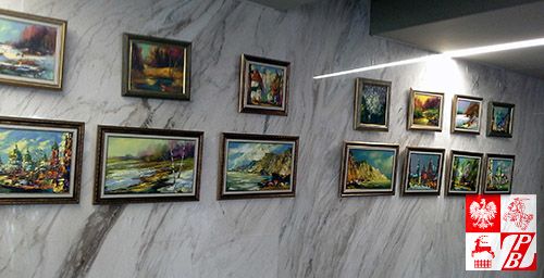 """Obrazy z cyklu """"Notatki z podróży"""" na wystawie w Moskwie"""