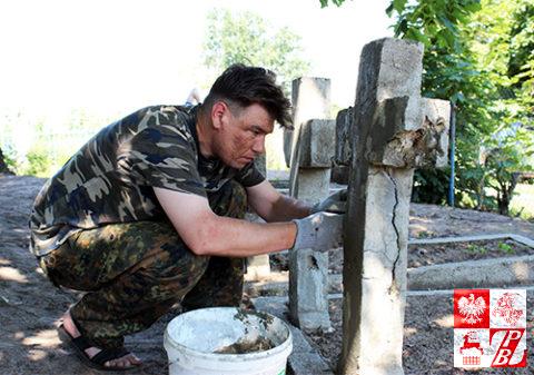 Cmentarz_Uzanka_renowacja7