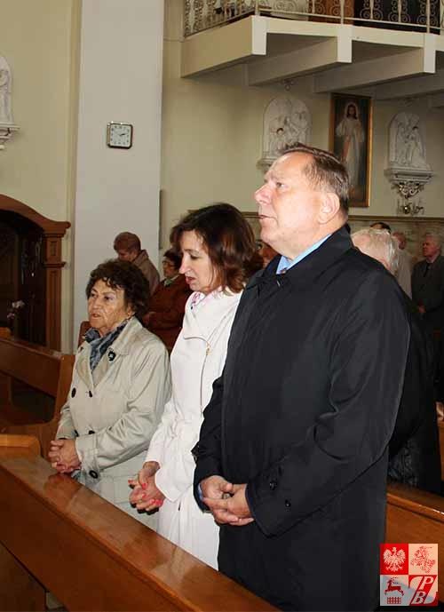 W Mszy św. w intencji Sybiraków uczestniczył konsul generalny RP w Grodnie Jaroslaw Ksiązek z małżonką Elżbietą