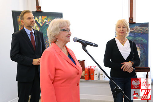 Przemawia senator Janina Sagatowska, Przewodnicząca Komisji Spraw Emigracji i Łączności z Polakami za Granicą