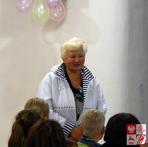 Helena Marczukiewicz, prezes Oddziału ZPB w Mińsku wita uczestników i gości uroczystości
