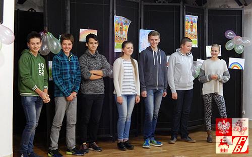 Uczniowie szkoły opowiadają o pobycie na obozie językowym w Polsce