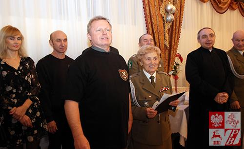 yczenia kombatantom AK na Białorusi składa Leszek Rysak, kierownik delegacji Rajdu Katyńskiego.